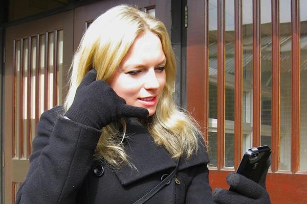 Bellen met handschoen